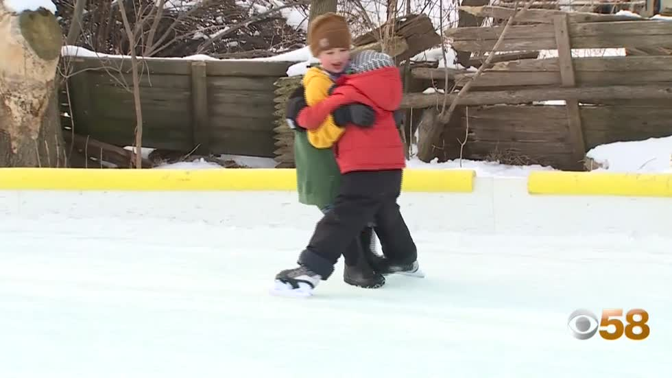 Riverwest ice rink becomes pride of Milwaukee neighborhood